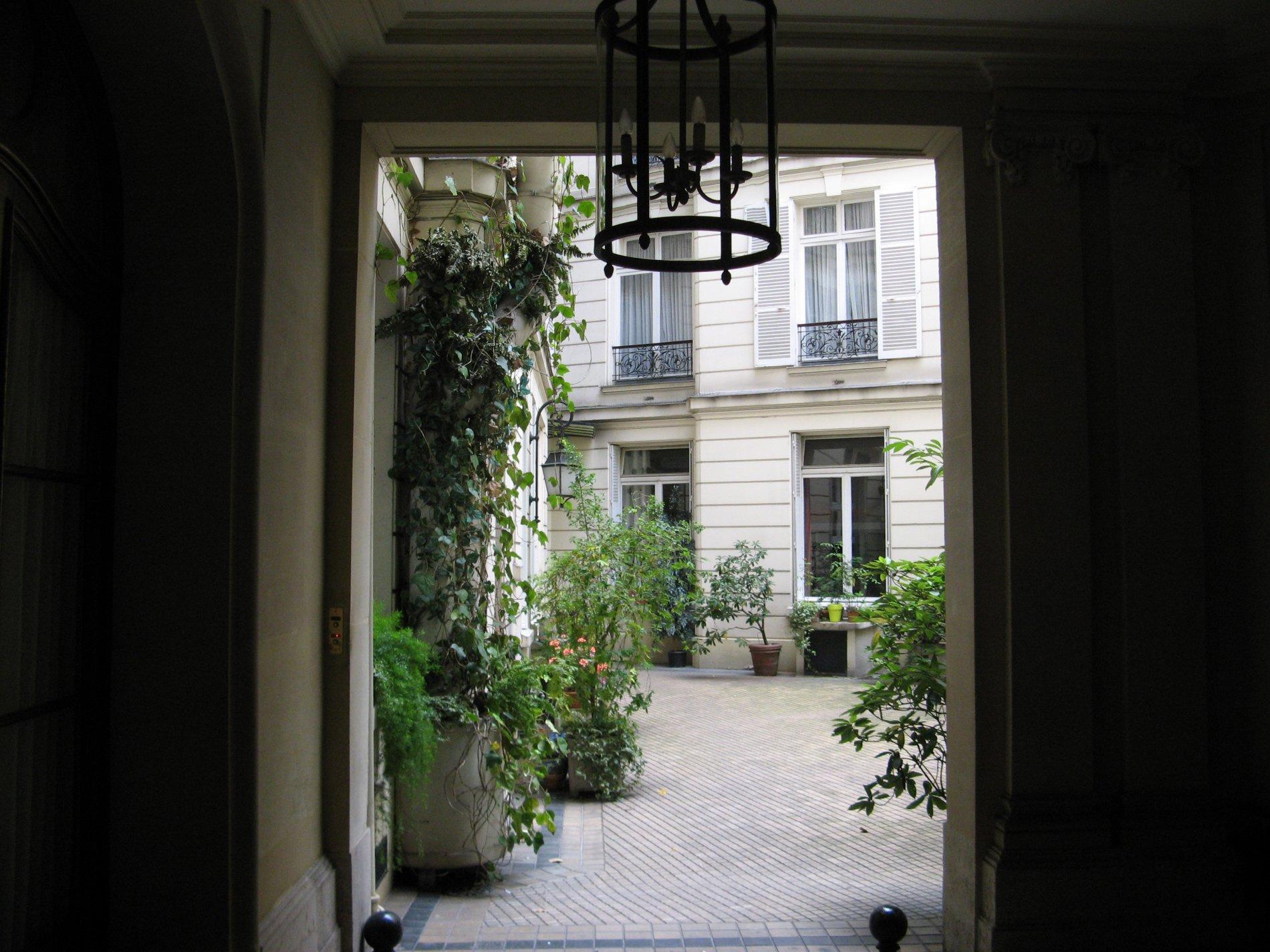 Location appartement paris batignolles monceaux 17e for Location appartement original paris
